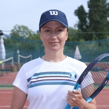 Оля Деянова